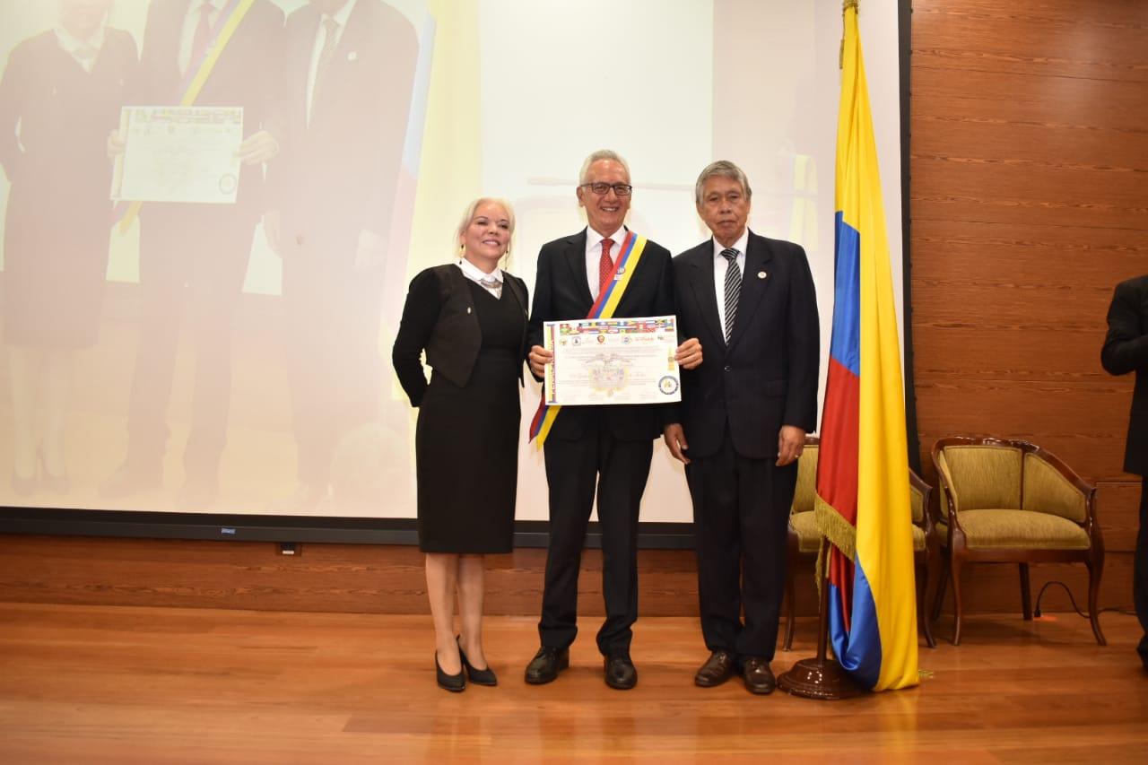 Por su aporte a la paz, Jaramillo recibió reconocimiento nacional de Fenalprensa