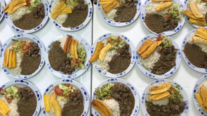 Alimentación escolar es preparada con productos cultivados por estudiantes de Ibagué