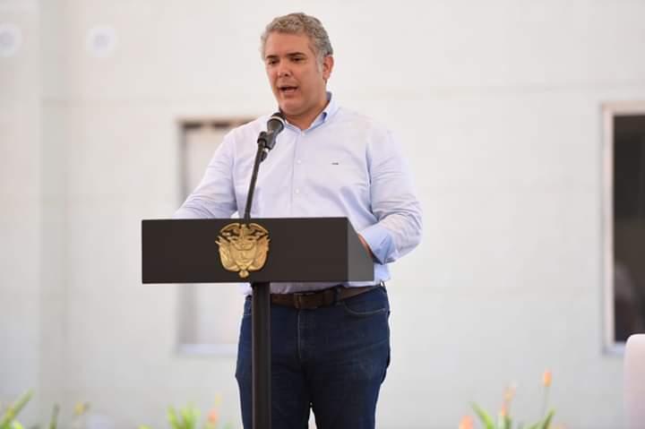 Duque se comprometió a aportar recursos para el SETP Ibaguè.