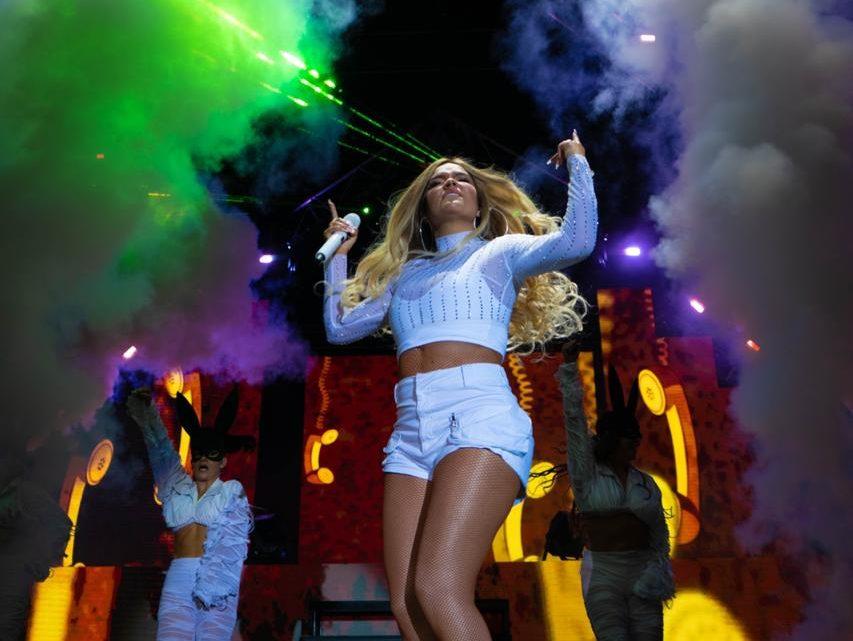 Aproximadamente 100 mil asistentes acompañaron A KAROL G en concierto Medellin.
