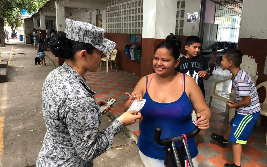 Adultos y niños, del Caguán Neiva beneficiados jornada de apoyo  por la Fuerza Aérea