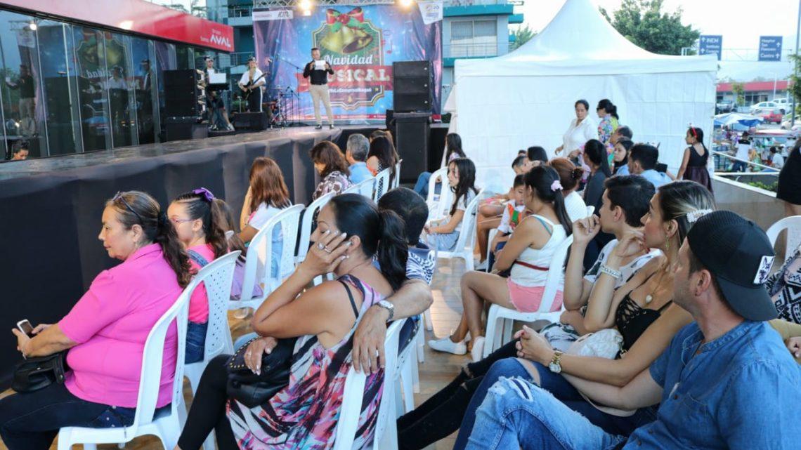 Feria Multisectorial Navideña, Sabores y Tradición en el  Centro Comercal Acqua.