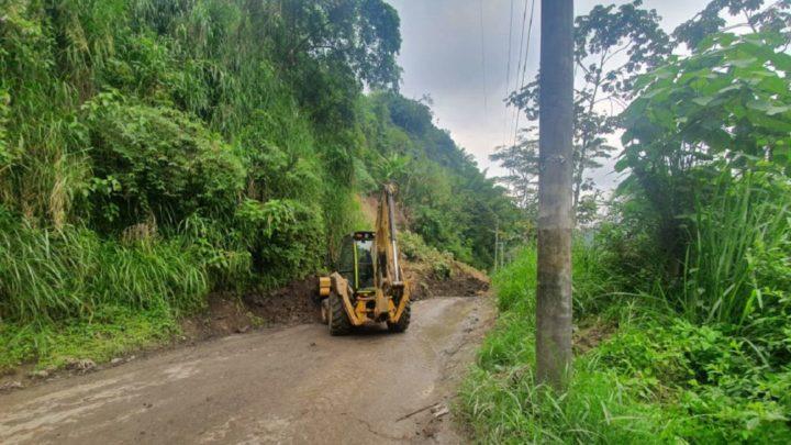 Turista:Vía del Cañón de Combeima sector de La Vega solucionada.