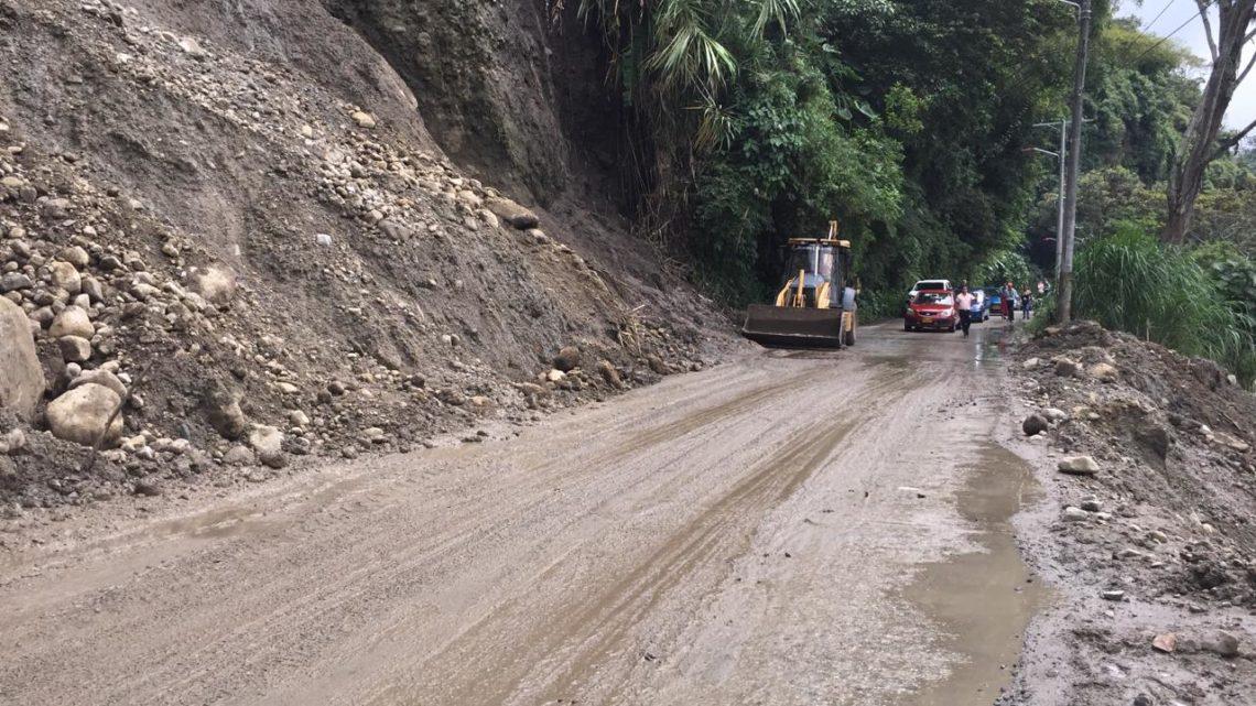 Autoridades atienden emergencia en la vía al Cañón del Combeima.