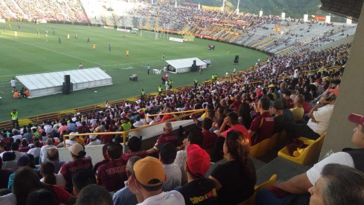 Hinchas del 'Vinotinto y Oro ' llenaron las tribunas del Manuel Murillo Toro