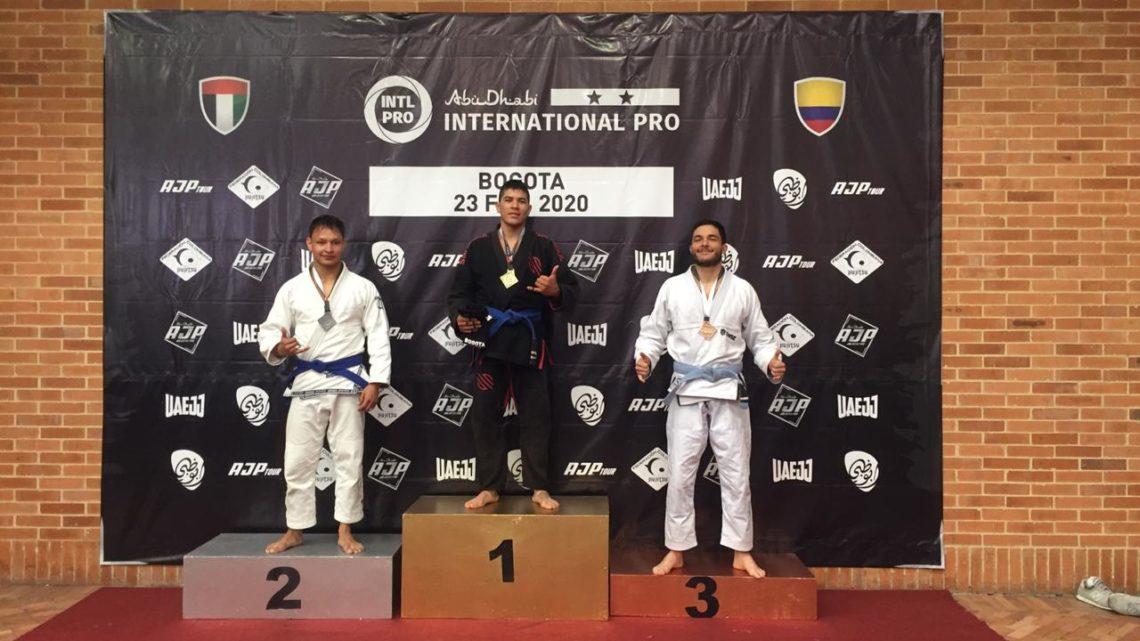 Los hermanos Abril brillaron en el campeonato Abu Dabi Internacional