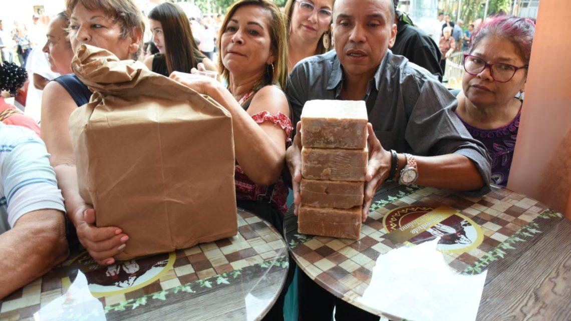 Panelatón en Ibaguè  vendió dos toneladas sin químicos y de alta calidad.