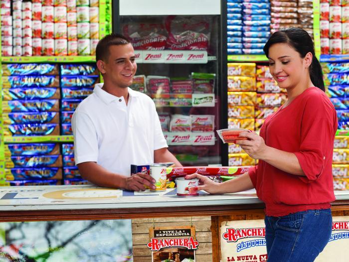 El Banco Agrario anuncia cupos de crédito para tenderos que compran en Corabastos