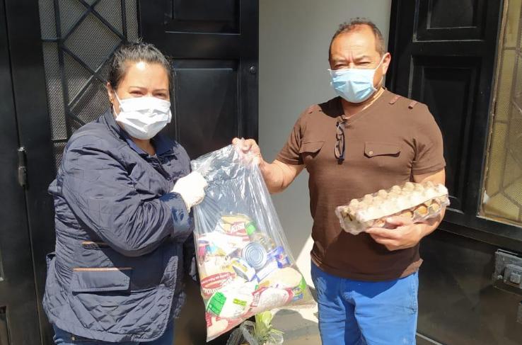 PES les responde a vendedores informales en época de cuarentena