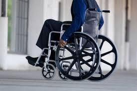 Entrega ayudas técnicas integrales a personas en condición de discapacidad