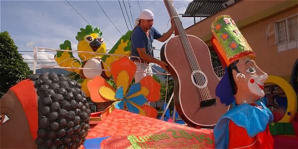 Desfile sábado 27  y domingo 28, más de 20 agrupaciones de danza y música