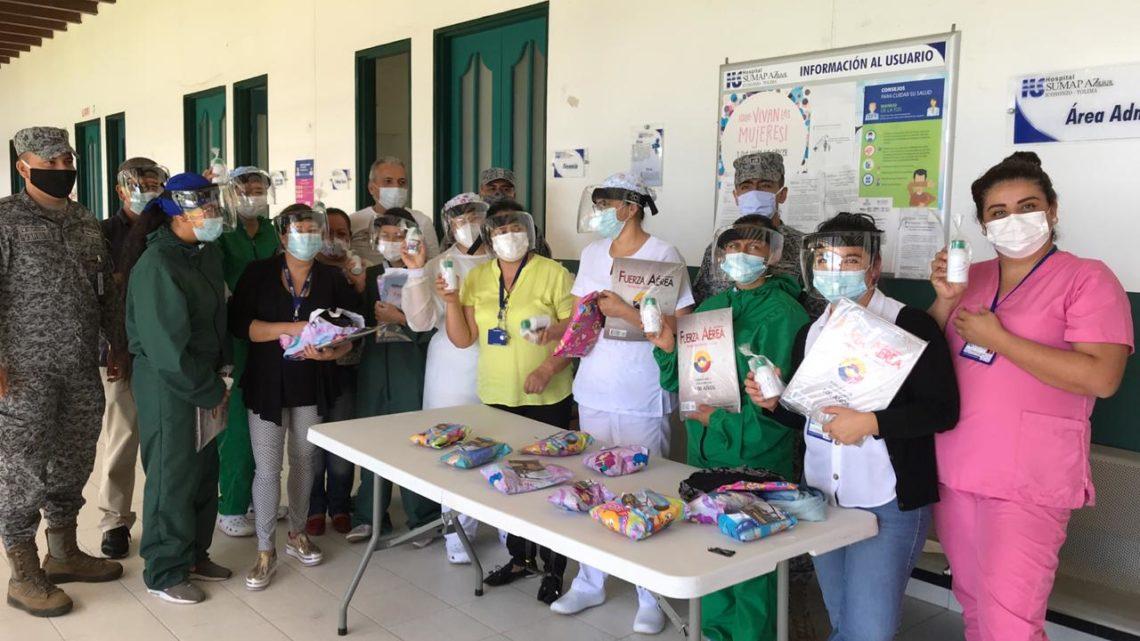 Con sonrisas fueron recibidos los integrantes de su Fuerza Aérea Colombiana en el Hospital de Sumapaz