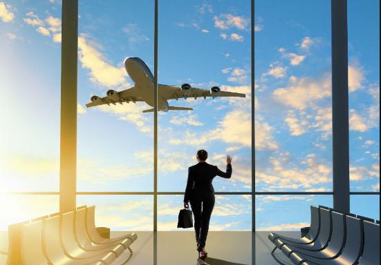 Conozca cómo funciona el reembolso para viajeros en servicios de transporte aéreo