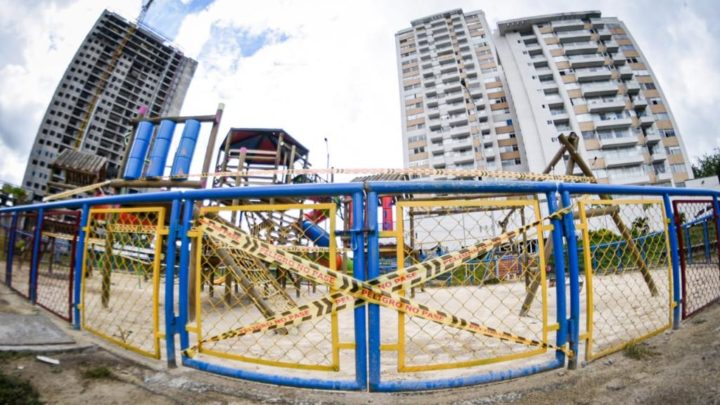 Se restringe acceso a parques infantiles para evitar contagios