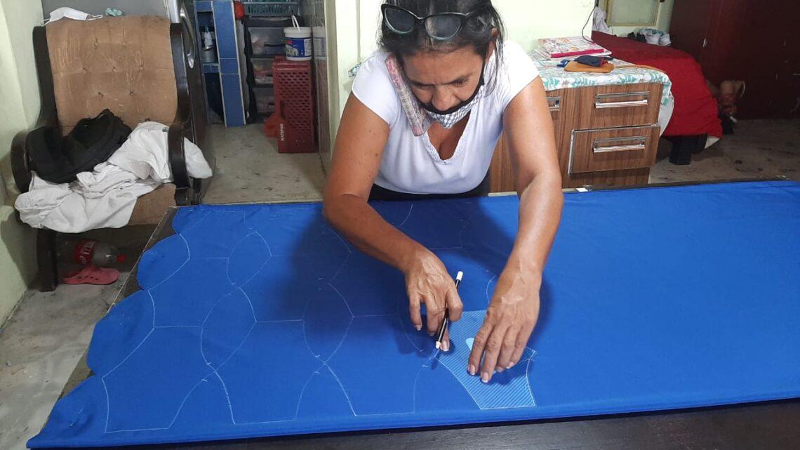Mujeres de Payandé lideran la confección de tapabocas en San Luis