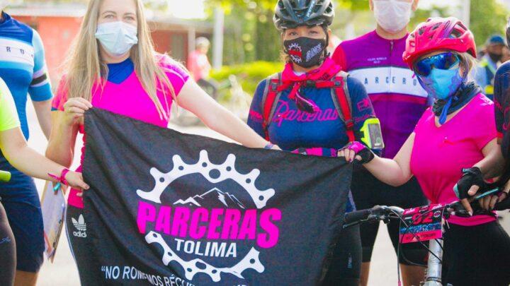 La 'Ruta Fucsia' pedaleó contra el cáncer de seno