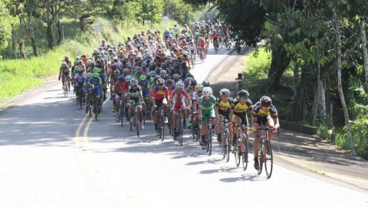 Turistas: Arranco la vuelta ciclística al Tolima