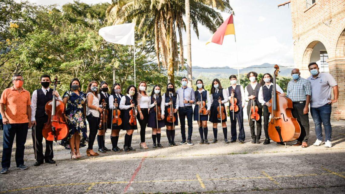 Turistas: En Ibague $ 240 millones se invertirán para la formación artística y cultural en instituciones educativas