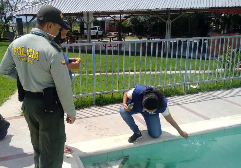 """Turistas Ibague: Establece las normas seguridad para el uso de las piscinas"""""""