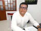 Miguel Ángel Uribe trabaja por turismo en Inírida.