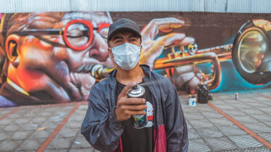 Turistas : 'Scrap', el artista ibaguereño que a través del grafiti embellece la ciudad