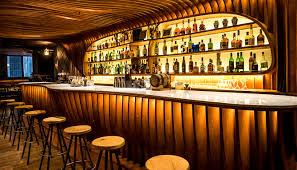 """Turistas: """"El plan piloto de apertura  de  los bares y discotecas"""""""