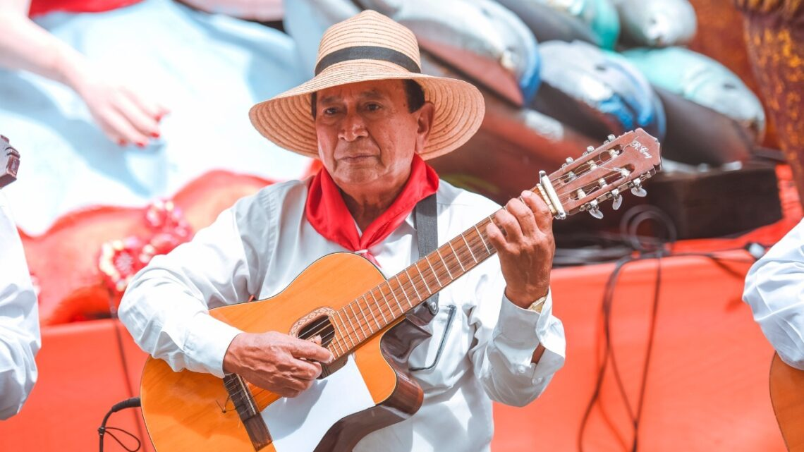Turistas: El Ministro de Cultura anunció que Ibagué será epicentro del 46 Salón Nacional de Artistas
