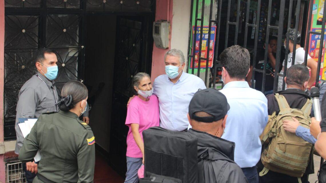 Turistas: Presidente Duque lideró demolición de viviendas expendio de drogas en Ibagué