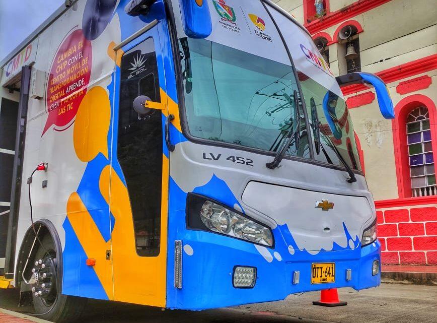 Turistas: El Bus TIC se estaciona en el municipio de Piedras.