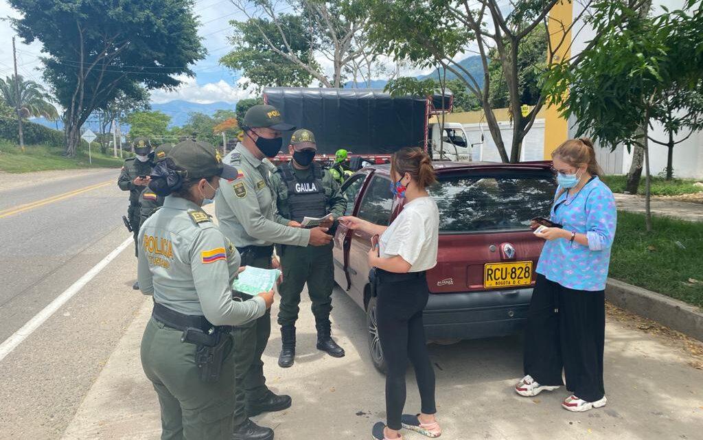 """Policía Nacional """"Más cerca del Ciudadano Turista""""."""