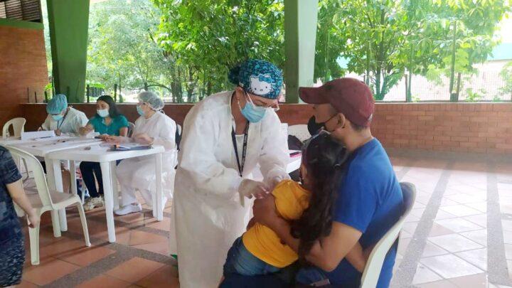 Turistas: Minsalud premia al Tolima:  vacunación masiva Planadas y Chaparral
