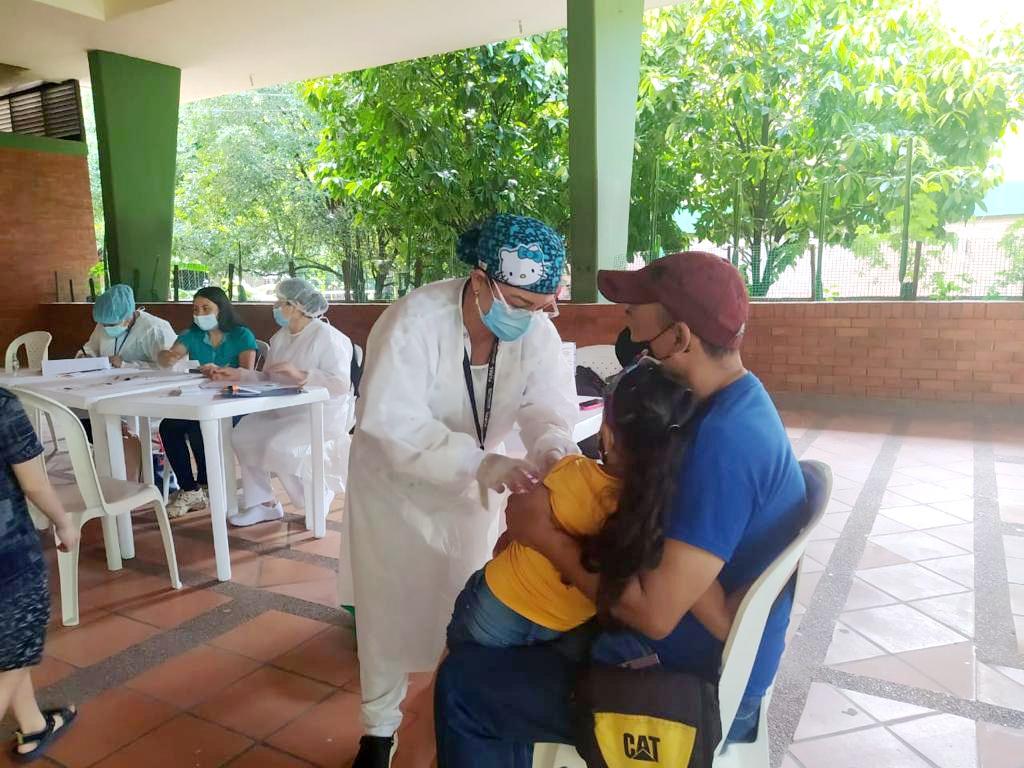 Todos los ciudadanos de 18 años y más de Planadas y Chaparral serán inmunizados en jornadas concentradas