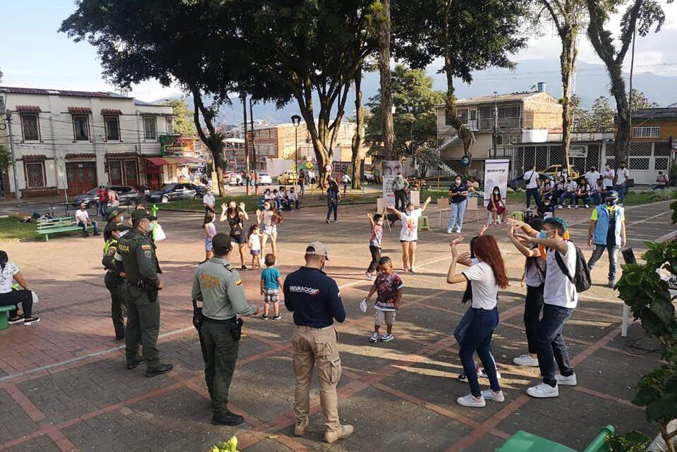 Turistas: La campaña: DI NO A LAS DROGAS. Policía Ibaguè.