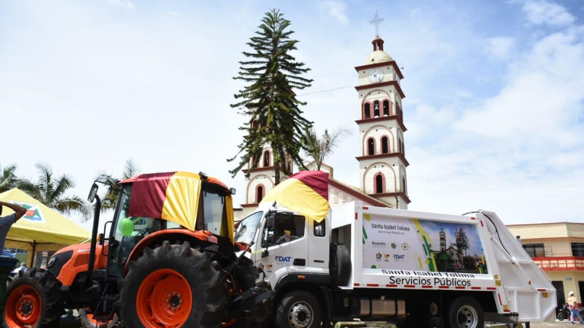 Turistas: Agropecuarios de Santa Isabel contará con un tractor y tecnología para el campo