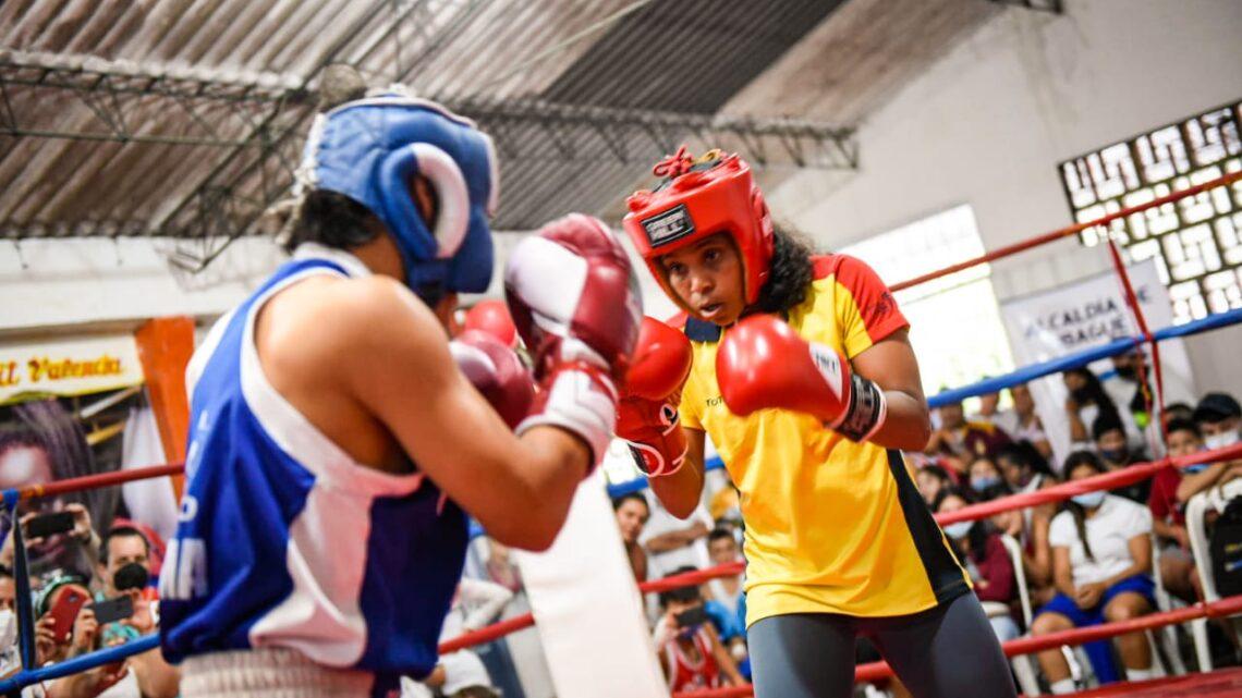 Turistas: Ibaguè 400 niños y jóvenes boxeadores recibieron implementación deportiva