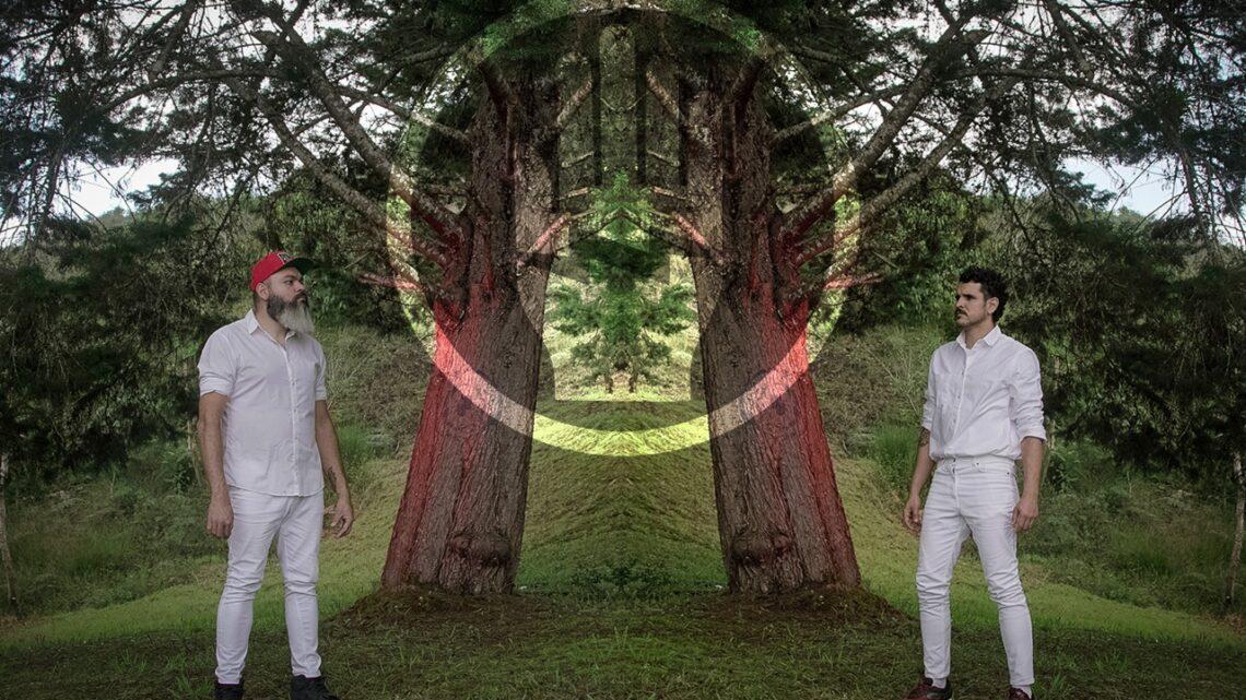 El dúo colombiano Compadres Deluxe debuta con 'Salir', una canción de sanación