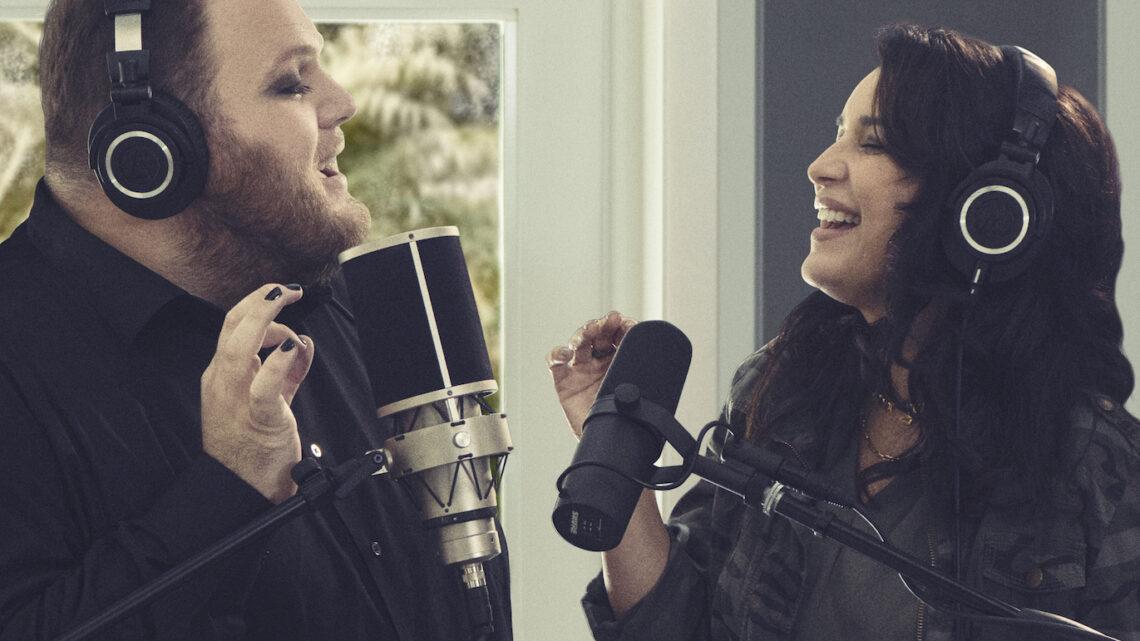 """Enrique Ramil y Karina interpretan la ranchera """"Prefiero ser la otra"""""""