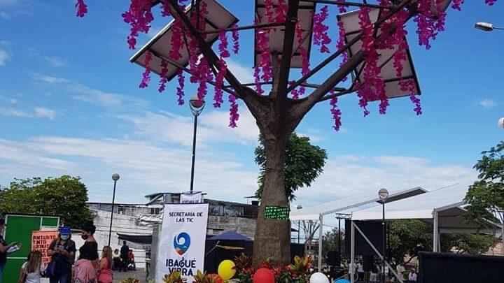 Turistas:  ¡Ibagué ya cuenta con su primer árbol solar de energía renovable!