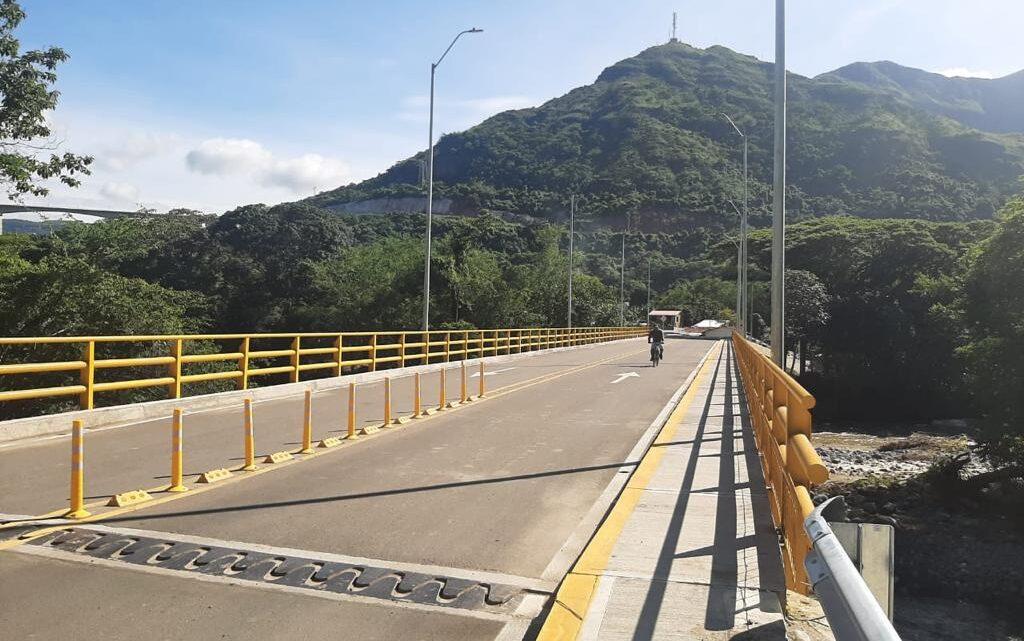 Turistas:  Inaugurado   puente vehicular de Gualanday en Tolima.
